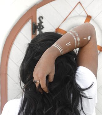 Tätowierter Arm von Model