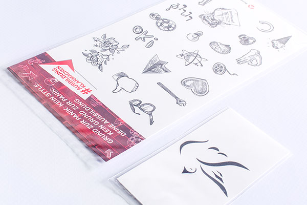 Print Tattoos in Polybeutel verpackt