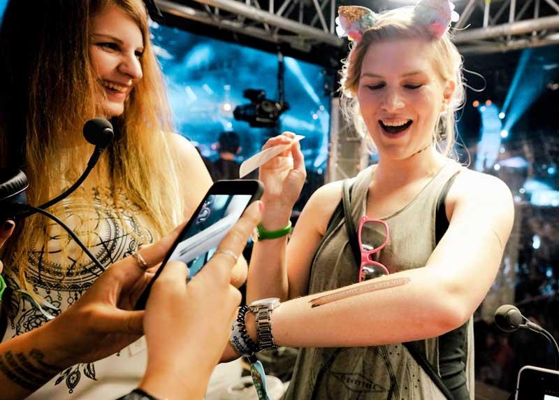 kronehit festival-tattoos auftragen