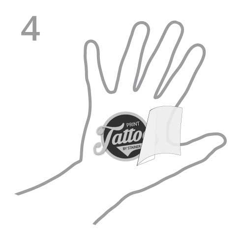 Tattoo auftragen Trägerpapier abziehen